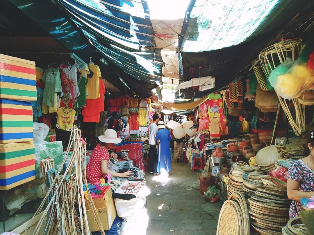 Bỏ túi kinh nghiệm mua sắm ở chợ Đông Ba khi đi Huế - ChuduInfo