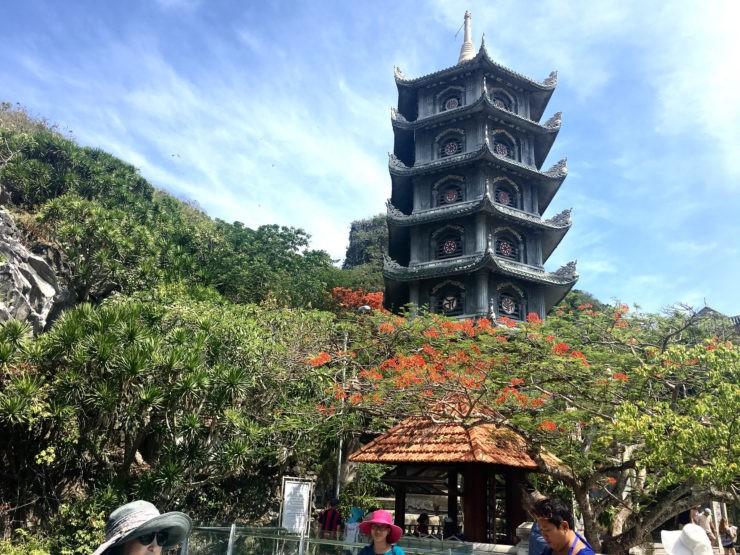 越南|中越峴港景點五行山佛塔、鐘乳石洞堆砌的大理石山-妃妃愛旅行-欣傳媒旅遊頻道