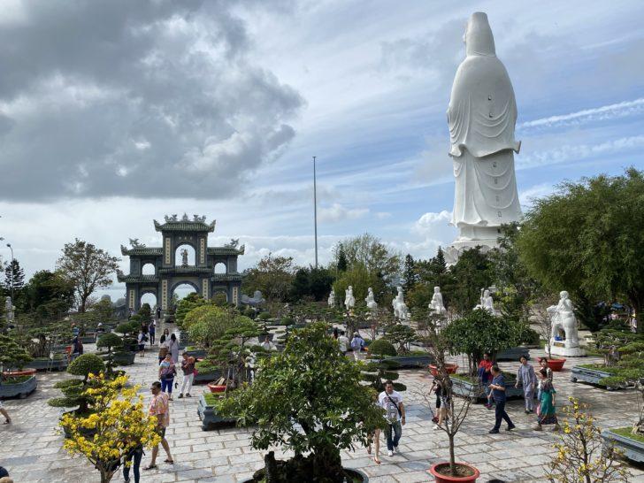 リンウン寺 ダナンの絶景パワースポット!! 巨大レディブッダで有名な観光名所を歩く!! | アジアの歩き方